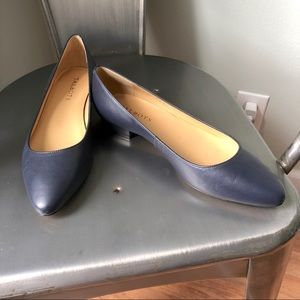 TALBOTS 🥿 NWOT Navy Leather Pointed Flats